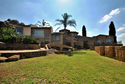 Property For Sale in Glenvista, Johannesburg
