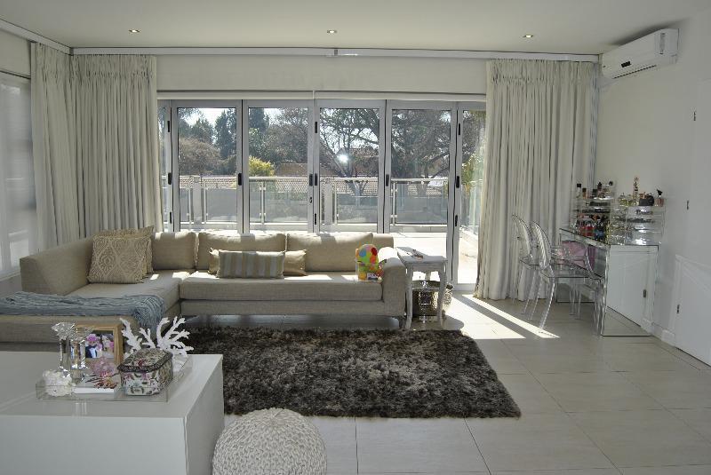 Property For Sale in Alberante, Alberton 11