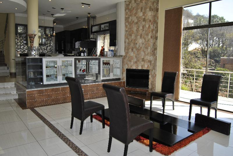 Property For Sale in Glenvista, Johannesburg 2
