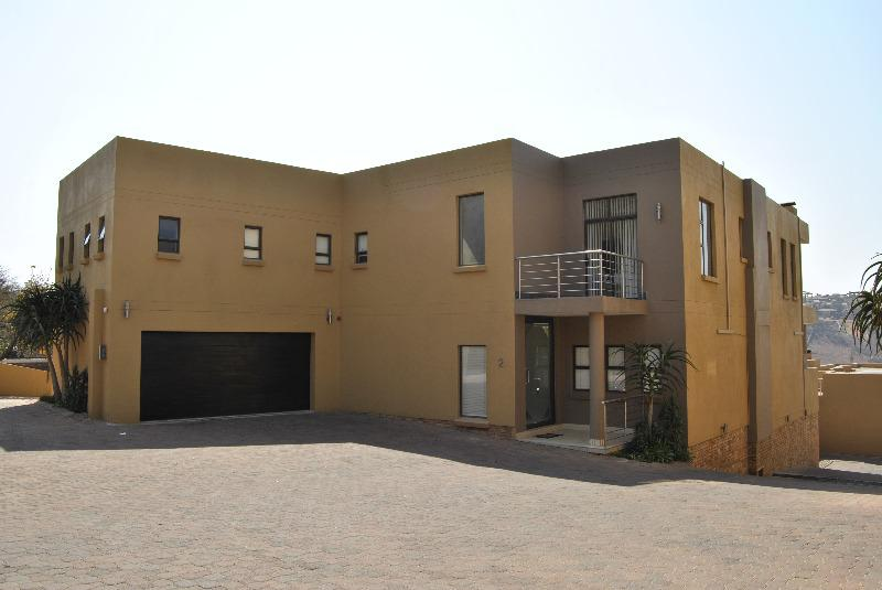 Property For Sale in Glenvista, Johannesburg 14