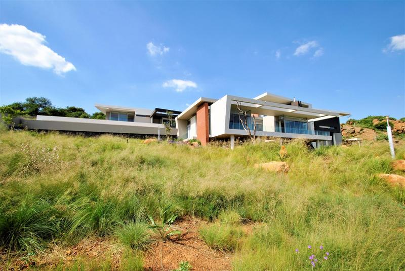 Property For Sale in Bassonia, Johannesburg 33