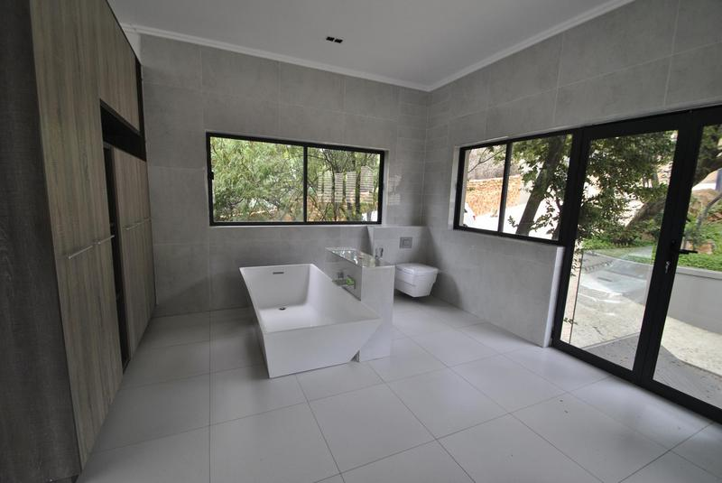 Property For Sale in Glenvista, Johannesburg 26