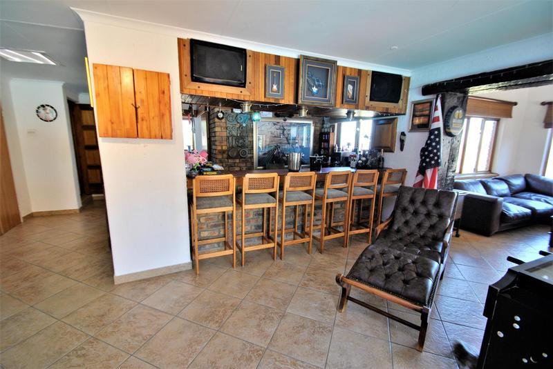 Property For Sale in Glenvista, Johannesburg 36