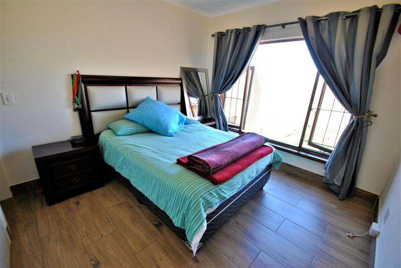 Property For Sale in Glenvista, Johannesburg 43