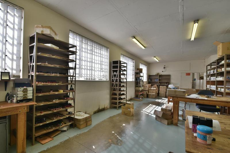 Property For Sale in Robertsham, Johannesburg 6