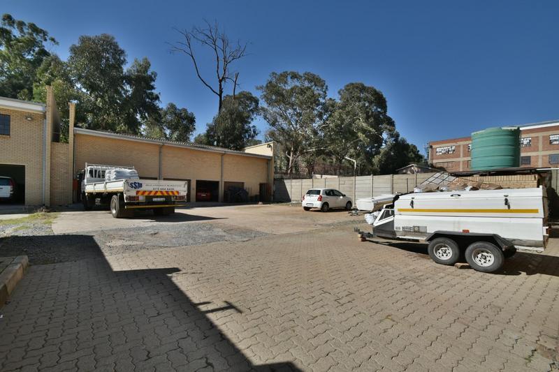 Property For Sale in Robertsham, Johannesburg 8
