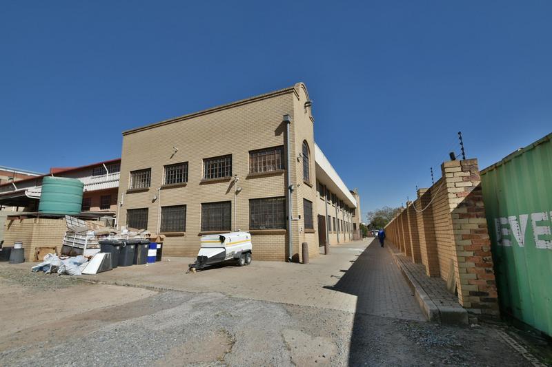 Property For Sale in Robertsham, Johannesburg 11
