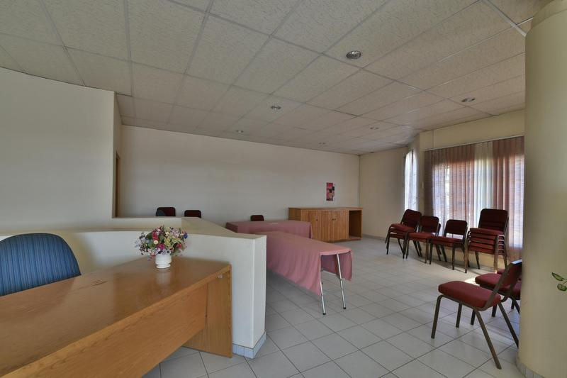 Property For Sale in Robertsham, Johannesburg 12