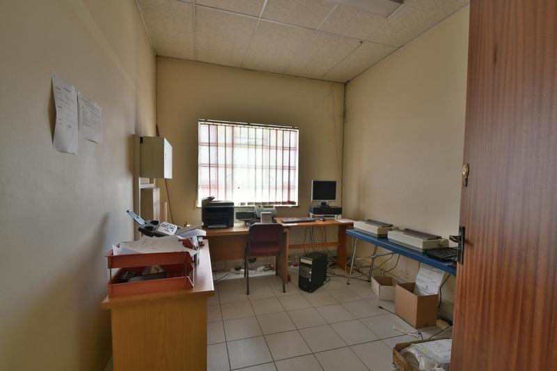 Property For Sale in Robertsham, Johannesburg 15
