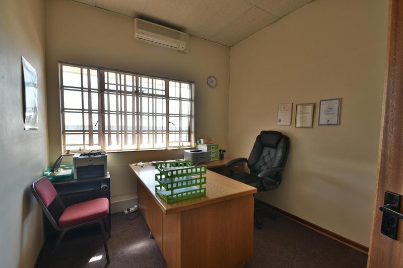 Property For Sale in Robertsham, Johannesburg 17