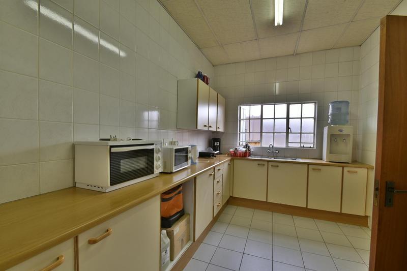 Property For Sale in Robertsham, Johannesburg 20