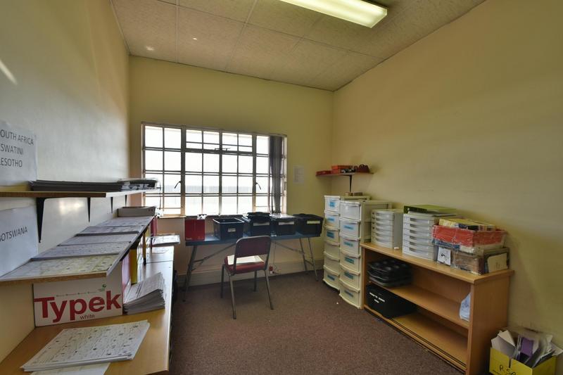 Property For Sale in Robertsham, Johannesburg 21