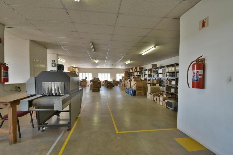 Property For Sale in Robertsham, Johannesburg 23