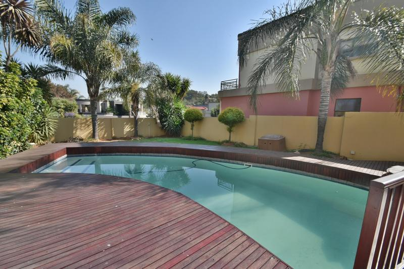 Property For Sale in Bassonia, Johannesburg 26