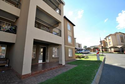 Property For Sale in Meredale, Johannesburg