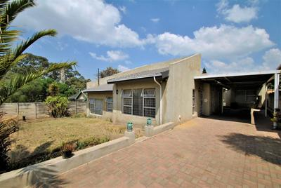Property For Sale in Roseacre, Johannesburg