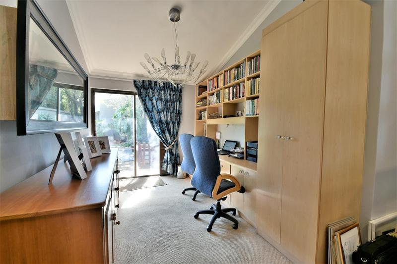 Property For Sale in Glenvista, Johannesburg 18