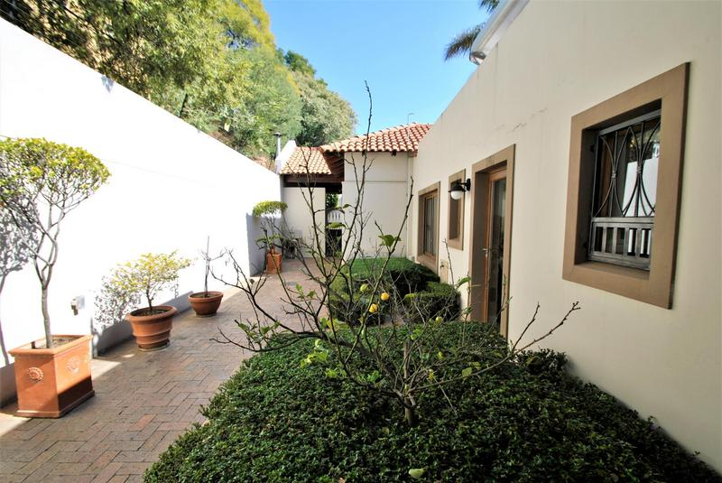 Property For Sale in Linksfield Ridge, Johannesburg 25