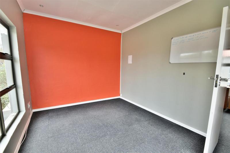 Property For Sale in Oakdene, Johannesburg 21