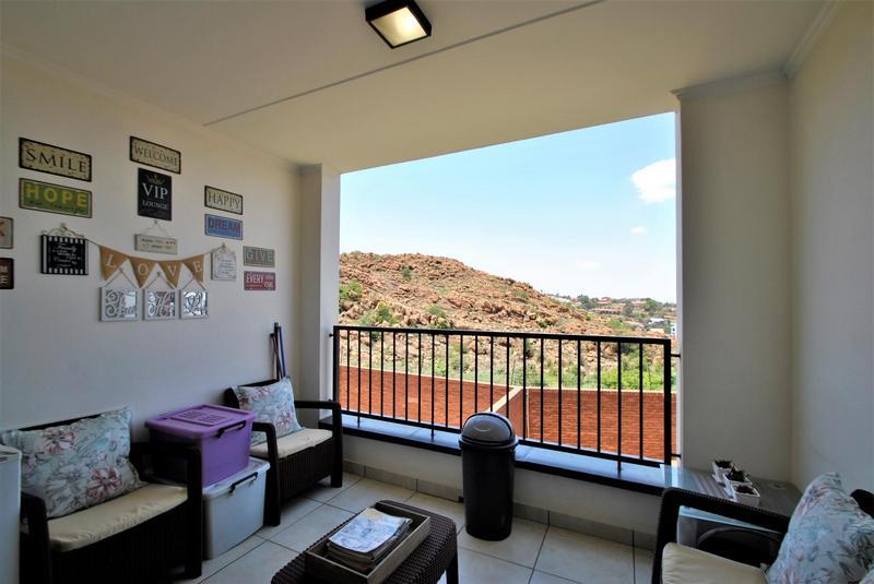 Property For Sale in Oakdene, Johannesburg 12