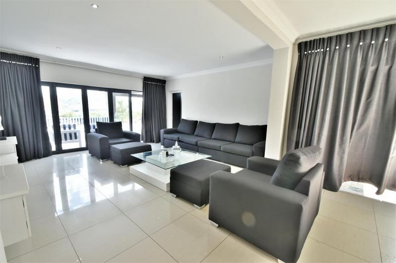 Property For Sale in Glenvista, Johannesburg 9