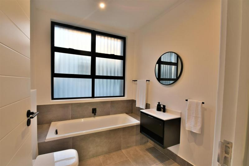 Property For Sale in Hyde Park, Sandton 23