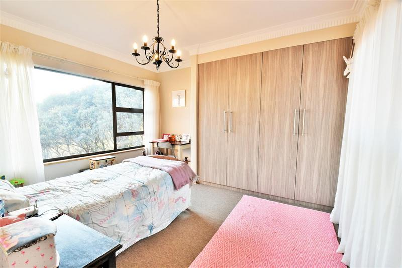 Property For Sale in Glenvista, Johannesburg 35