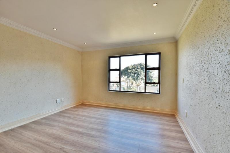 Property For Sale in Bassonia, Johannesburg 59