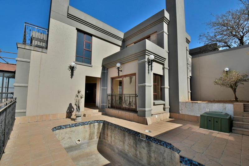Property For Sale in Bassonia, Johannesburg 66
