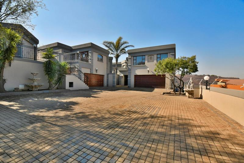 Property For Sale in Bassonia, Johannesburg 70