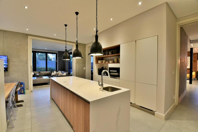 Property For Sale in Illovo, Sandton 14