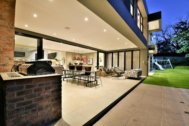 Property For Sale in Illovo, Sandton 39