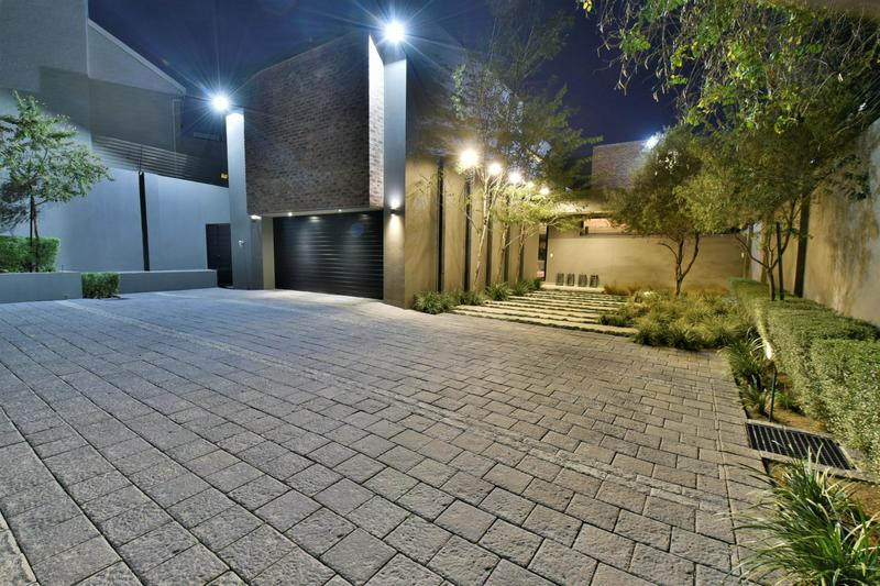 Property For Sale in Illovo, Sandton 51