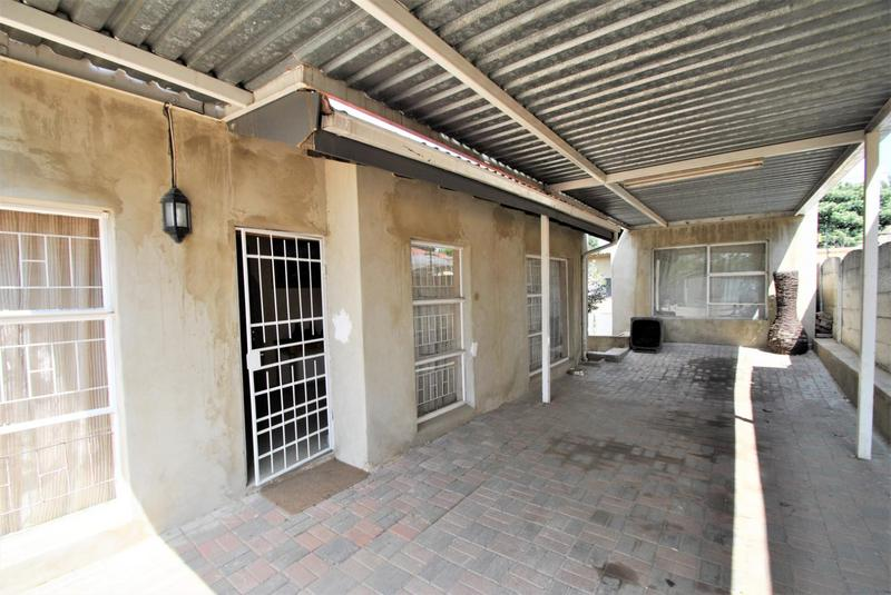 Property For Sale in Roseacre, Johannesburg 2