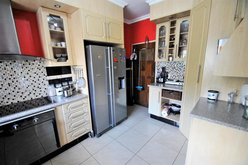 Property For Sale in Roseacre, Johannesburg 4