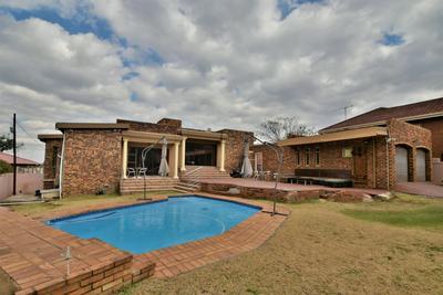 Property For Sale in Ridgeway, Johannesburg