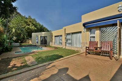 Property For Sale in Suideroord, Johannesburg