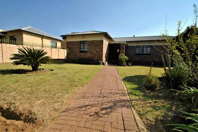 Property For Sale in South Hills, Johannesburg
