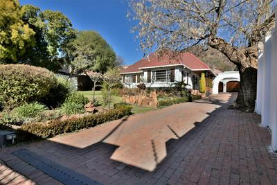 Property For Sale in Mondeor, Johannesburg