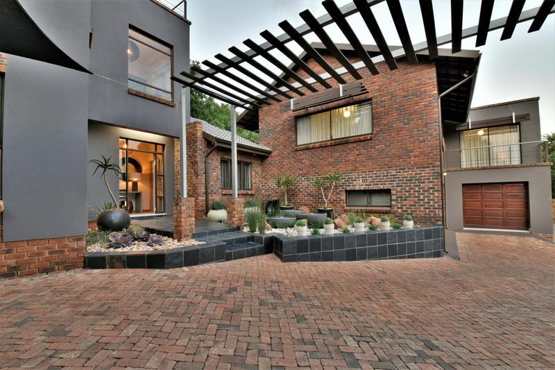 Property For Sale in Glenvista, Johannesburg 45
