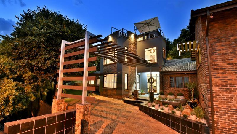 Property For Sale in Glenvista, Johannesburg 47