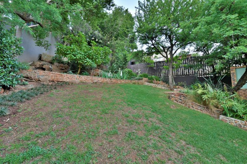 Property For Sale in Glenvista, Johannesburg 53