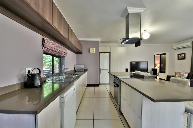 Property For Sale in Glenvista, Johannesburg 57