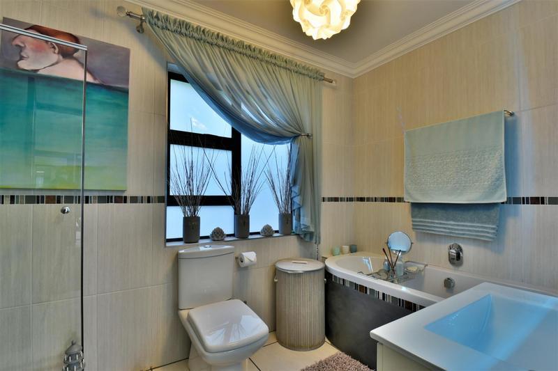 Property For Sale in Glenvista, Johannesburg 65