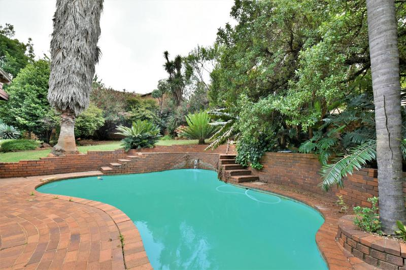 Property For Sale in Glenvista, Johannesburg 4