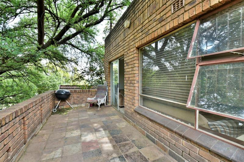 Property For Sale in Glenvista, Johannesburg 22