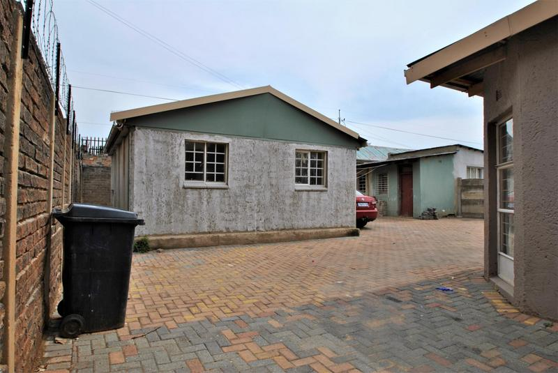 Property For Sale in Turffontein, Johannesburg 12