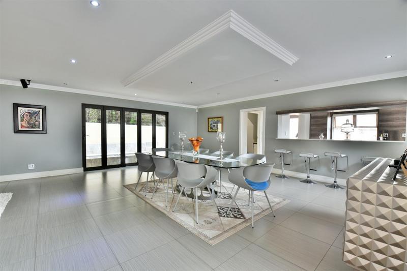 Property For Sale in Sandhurst, Sandton 9