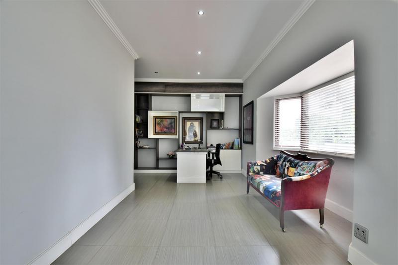 Property For Sale in Sandhurst, Sandton 16