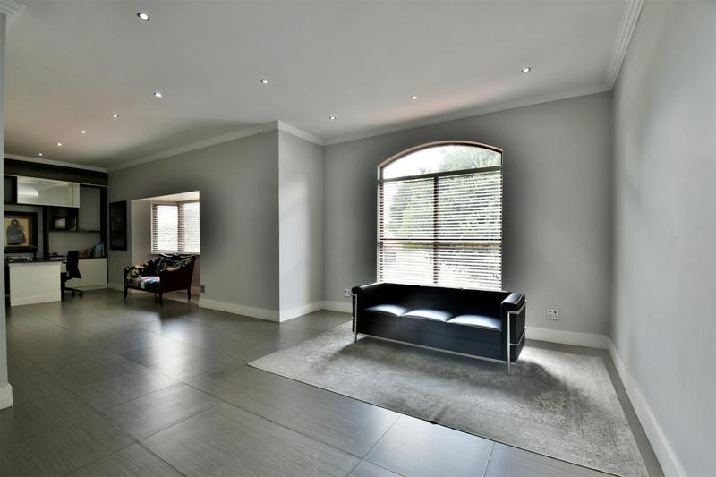 Property For Sale in Sandhurst, Sandton 17